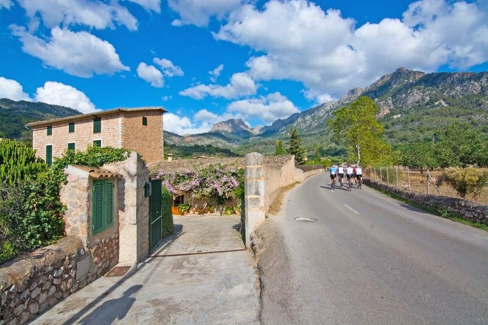 The best cycling route to discover the Serra de Tramuntana